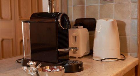 Ferienwohnung Laax - Nespressomaschine, Wasserkocher und Toaster